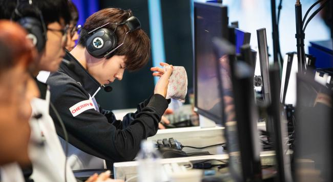 Deft among the new wave of players leaving KT Rolster